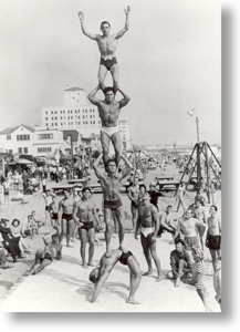 muscle-beach-pyramid