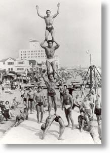 muscle-beach-pyramid