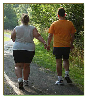 fat-couple walking
