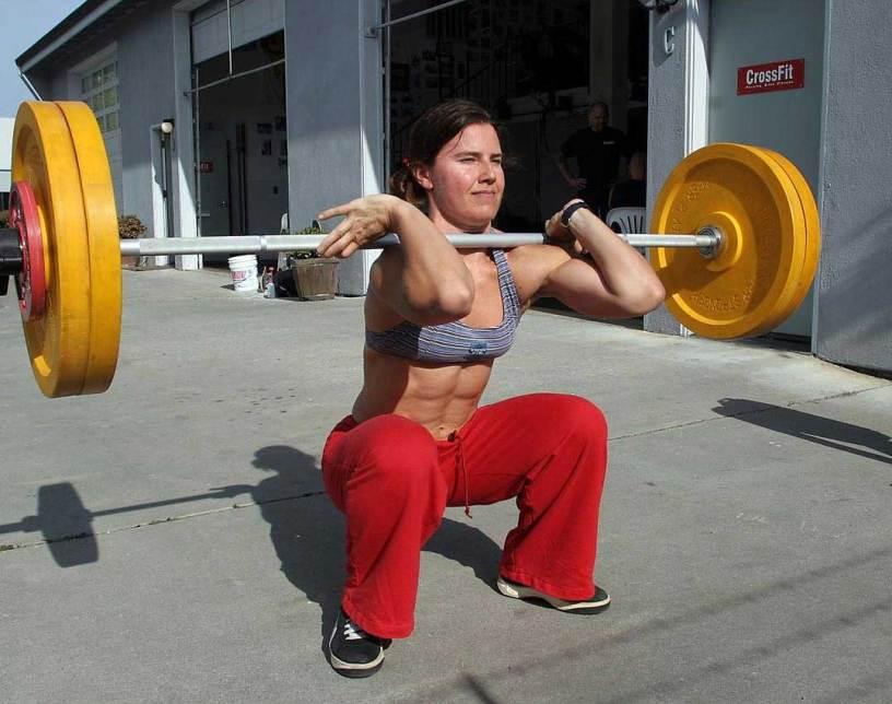 crossfit-girl-front-squat