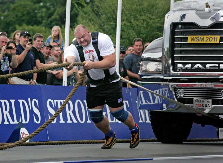 truck-pull-world's-stronges